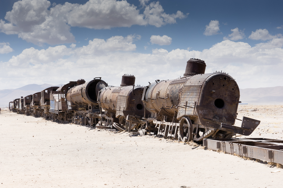 After having seen the natural wonders that the Bolivian altiplano has to offer, we were shown the Uyuni train graveyard at the end of our 4WD tour. In essence, it was just a junk pile, where also quite a few decommissioned trains had been lined up. Due to the lack of humidity they do not show a lot of rust.
